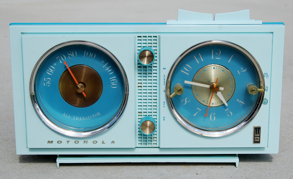 Motorola Transistor Clock Radio, 1960 (CC-by-nc) Roadsidepictures